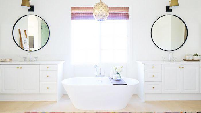 19 Best Bathroom Mirror Ideas, What Size Round Mirror For A 48 Vanity