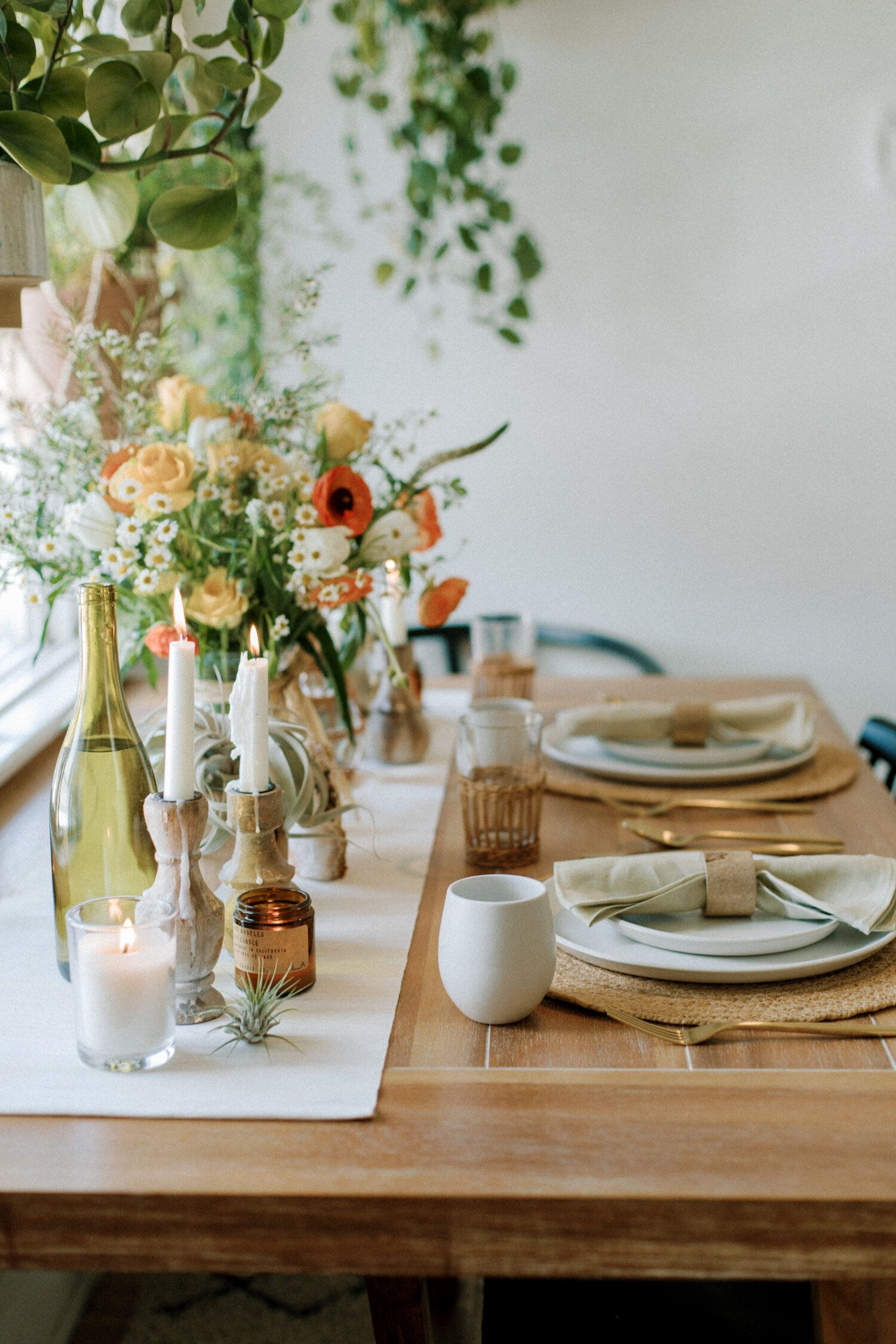 20 Dining Table Centerpiece Ideas To, Formal Dining Room Flower Arrangements