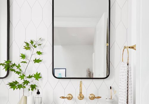 White bathroom—best bathroom tiles trends