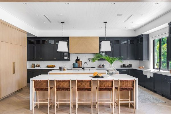 Large kitchen with pendant lights