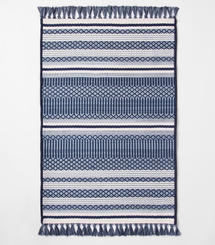 15 Cheap Outdoor Rugs That Will Make