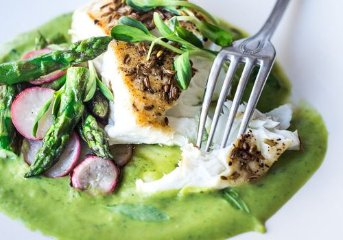 Fennel crusted halibut with asparagus sauce
