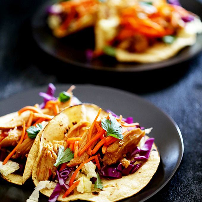slow cooker chili chicken tacos