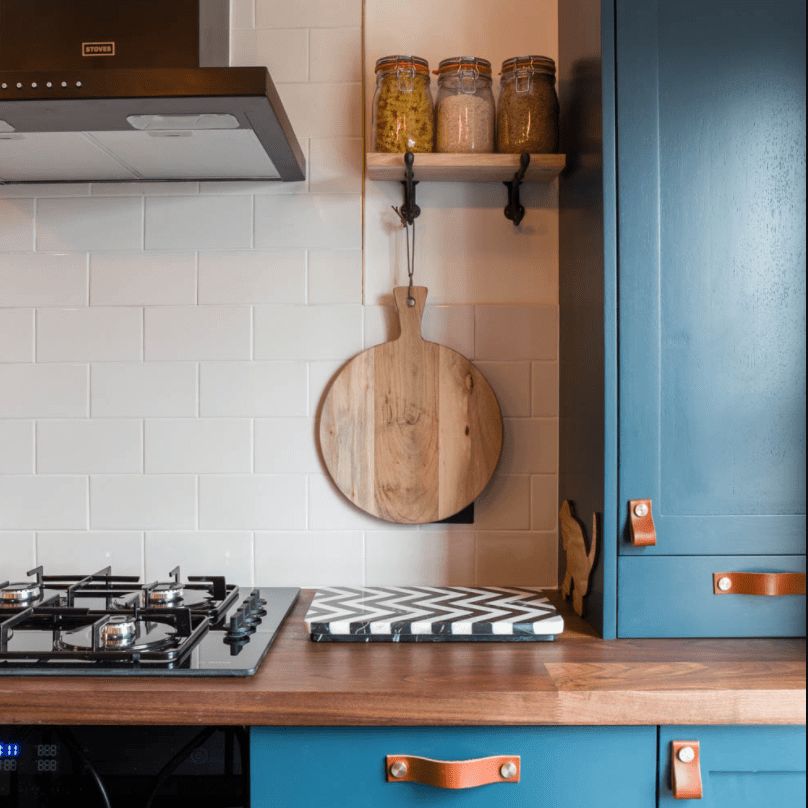 Kitchen with white grout
