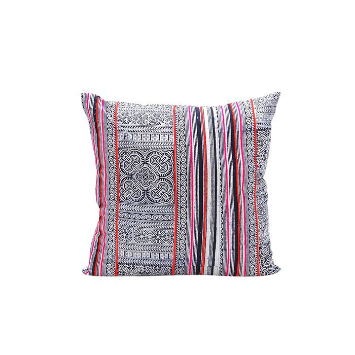 The Best Throw Pillow Combinations For Every Style