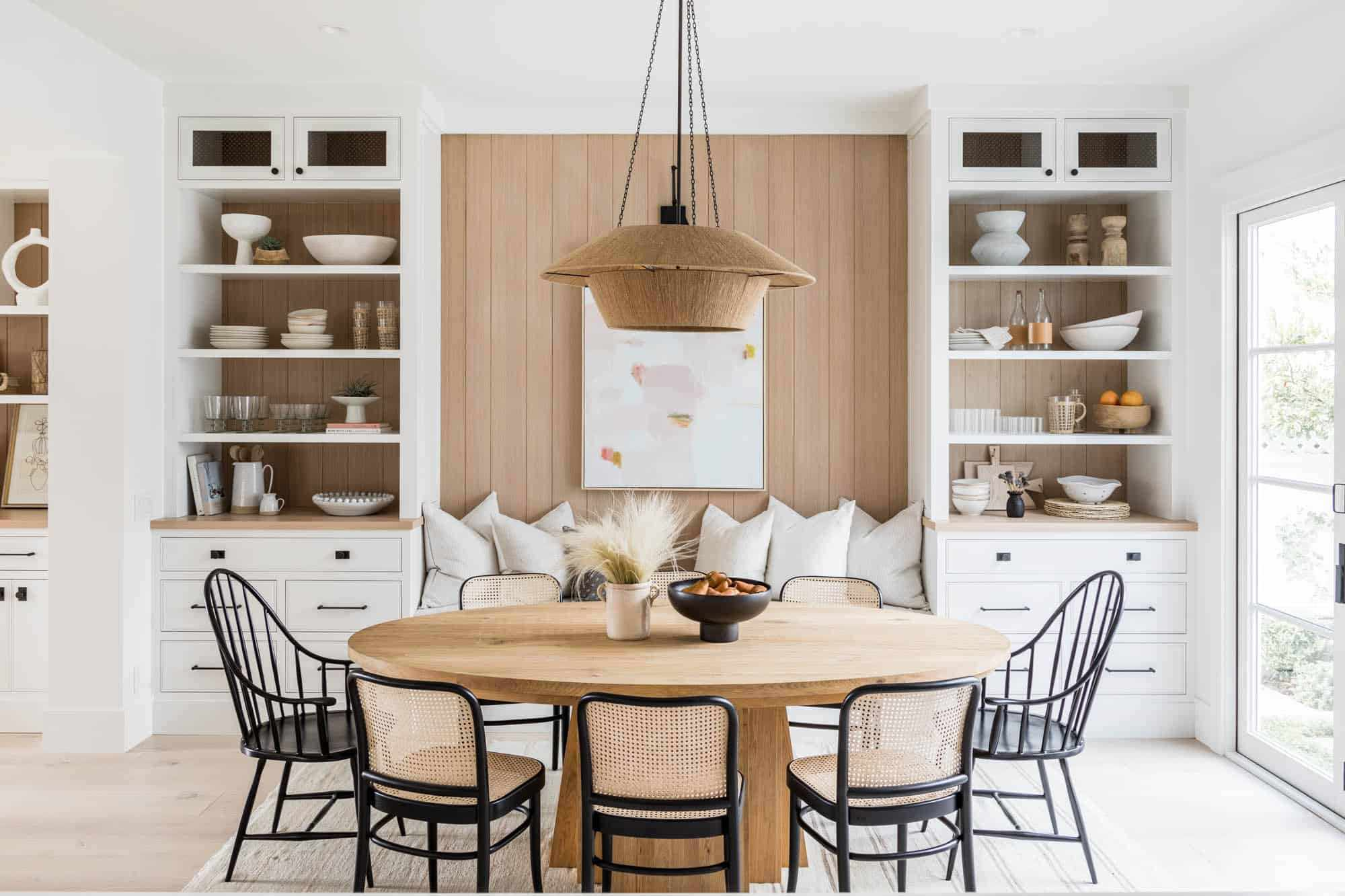 33 Standout Dining Table Décor Ideas