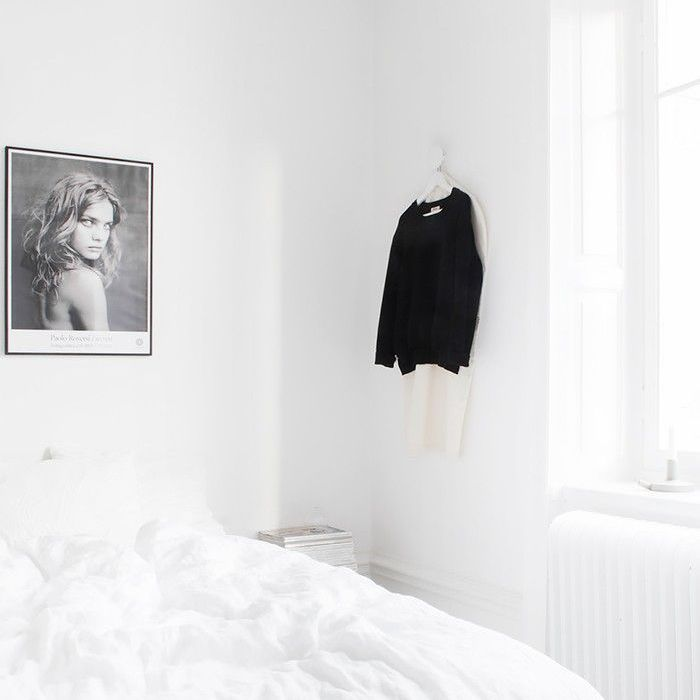dormitorio completamente blanco