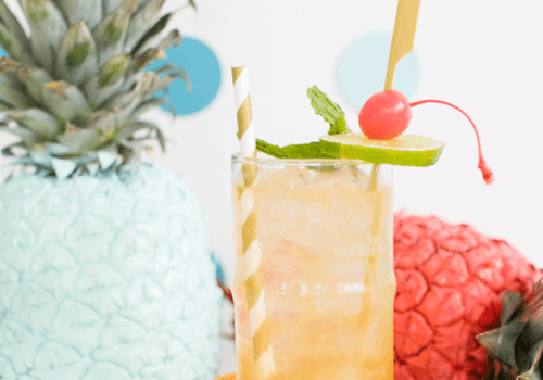 Esmeralda fizz rum cocktail