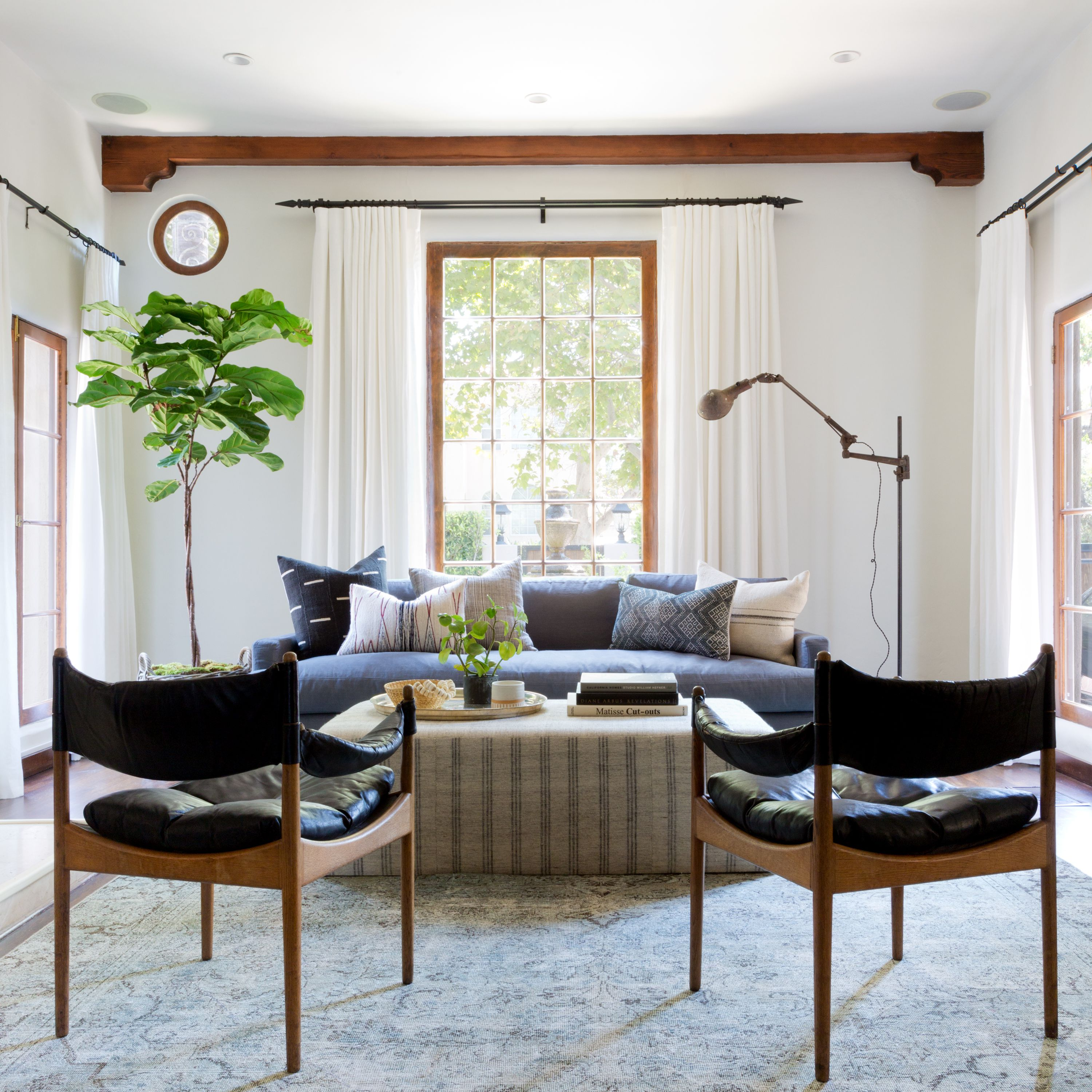 An Interior Designer Explains Which 5 Colors Go With Gray, So You Can Nail the Look