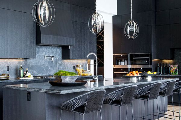 You Ll Love These Kitchens With Subway Tile Backsplashes