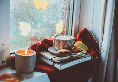 fall candle with books