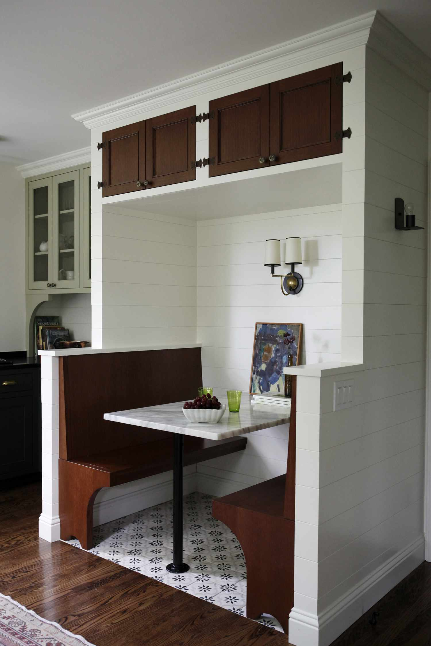 In-kitchen booth