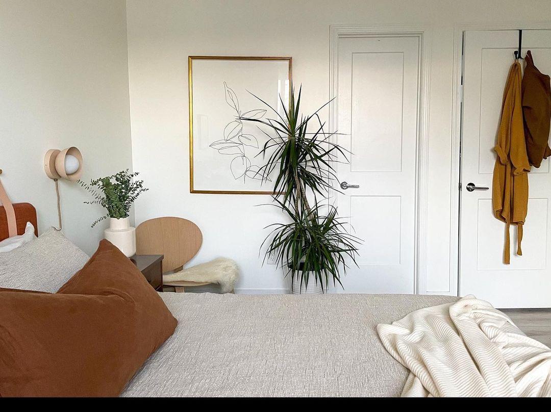 Bedroom wirh rust details