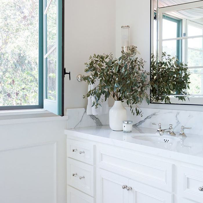 The Pros From Benjamin Moore Answer All Your Paint Questions