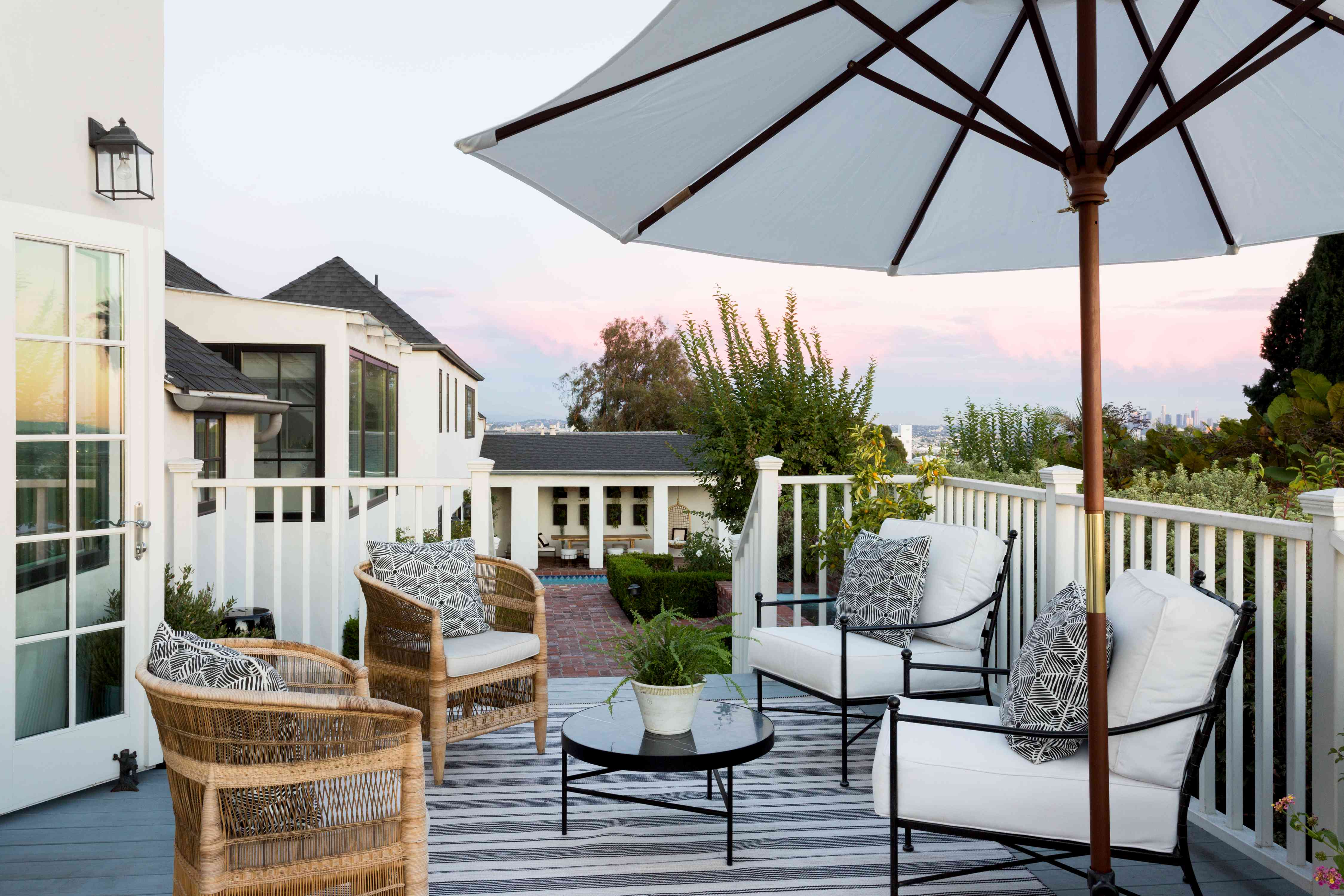 9 Ways to Design a More Zen Outdoor Space on Cascadia Outdoor Living Spaces id=41060