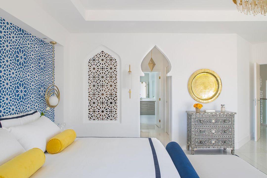 dormitorio azul y amarillo