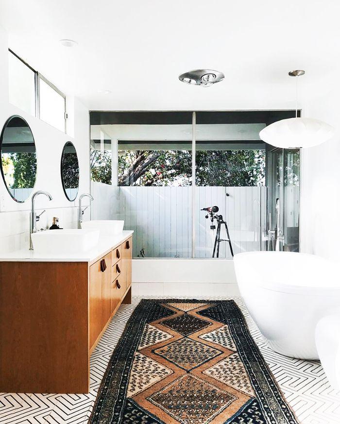 Gray Bathroom Décor