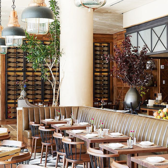 14 Restaurant Dining Room Décor Tips To Steal