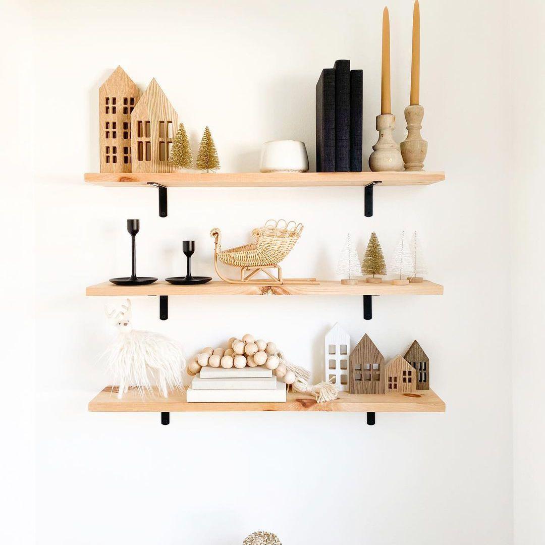 Neutral Christmas shelf decor.